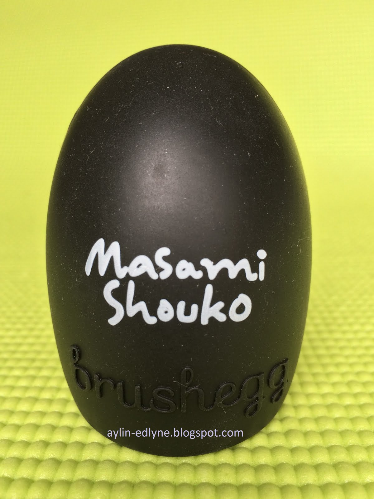 Review Brush Egg Masami Shouko What I Really Like About This It Is Good For Getting Small Brushes Super Clean Just Use Baby Shampoo Try To Find Which Give