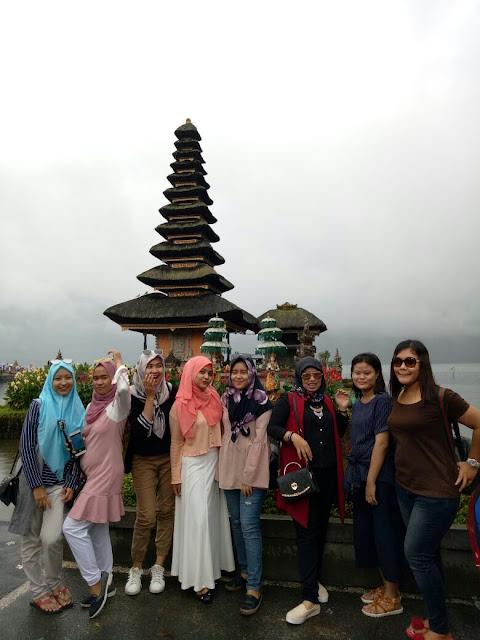 Tips Mengunjungi Tempat Wisata di Bali Bersama Teman-teman, Daya Tarik Wisata Ulun Danu Beratan Bali