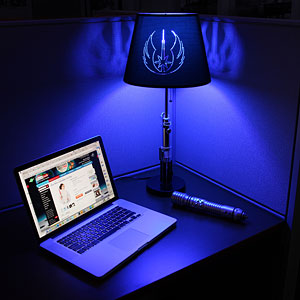 New Age Mama: Star Wars Lightsaber Desk Lamps at Think Geek!