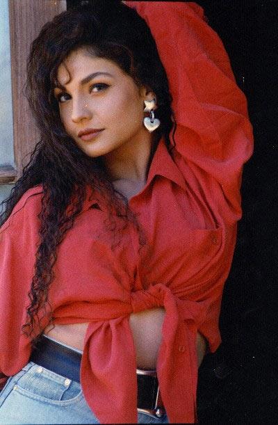 sexy pictuers of pooja bhatt
