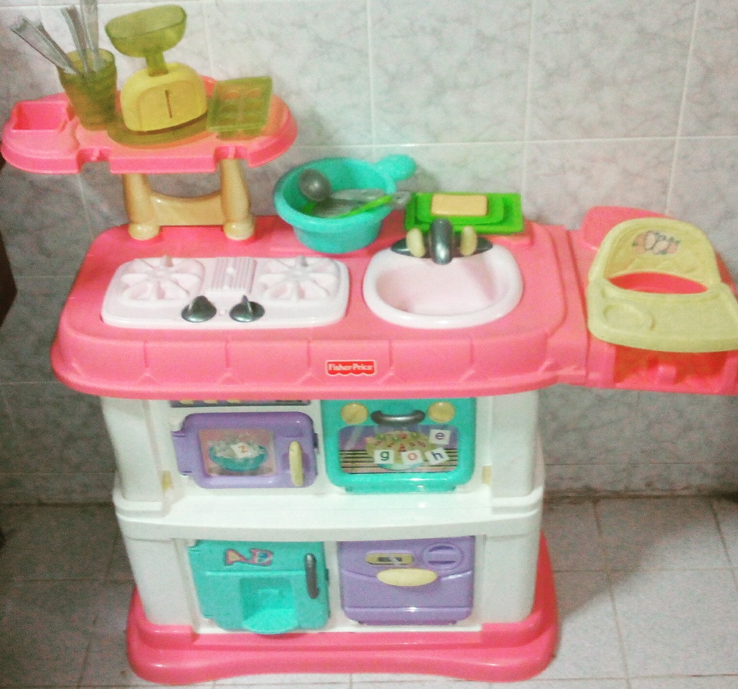 Fisher Price Grow With Me Kitchen (used)