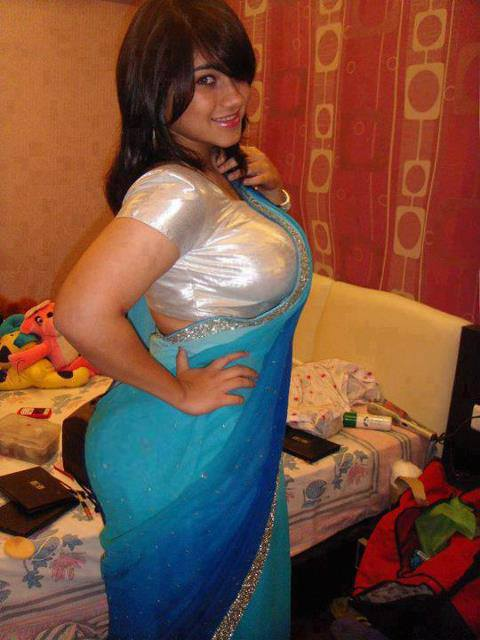 Hd Wallpapers Desi Sexy Girls Aunties Hot Boobs Wallpapers-3268