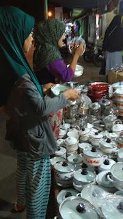 Belanja Bersama Ibu di Syawalan