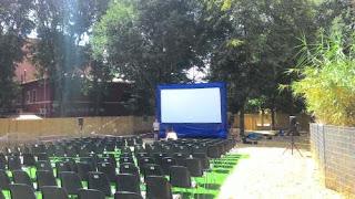 Proiezione per rassegna film cinema all'aperto, schermo