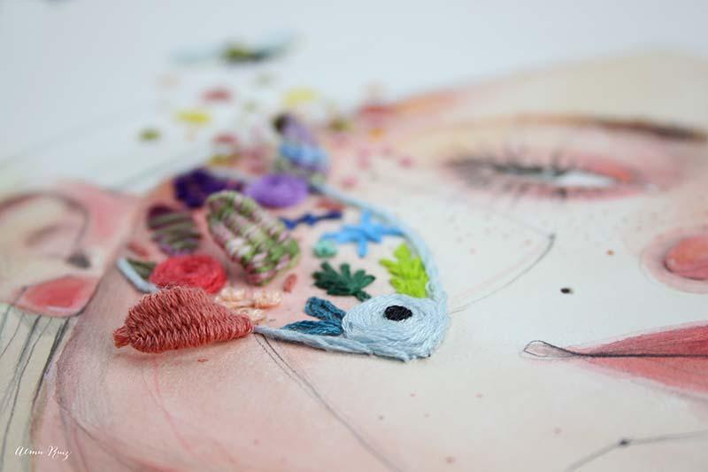 Bordados a mano sobre ilustración de Ana Santos