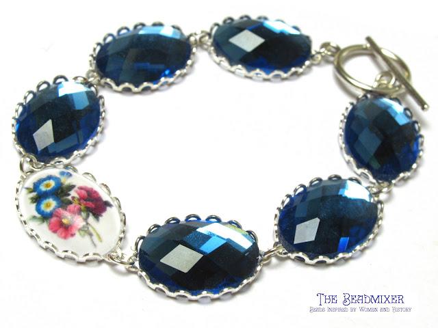 Armbandje maken met blauwe cabochons