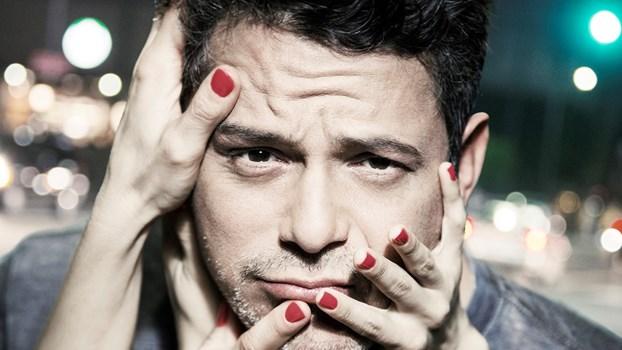 En vidéo Alejandro Sanz est abordée lors d'un concert avec un homme agressait supposément une femme