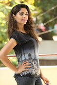Karuna photos in jeans-thumbnail-20