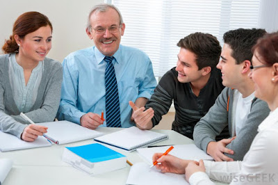 4 sikap hari pertama masuk kerja yang harus dimiliki seseorang