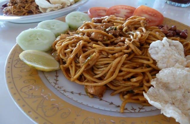 Mie dengan bumbu rempah paling lengkap se-dunia, mie Aceh yang sangat terkenal