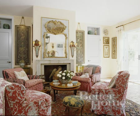 remarkable living room four chairs   Hydrangea Hill Cottage: Sarah Richardson