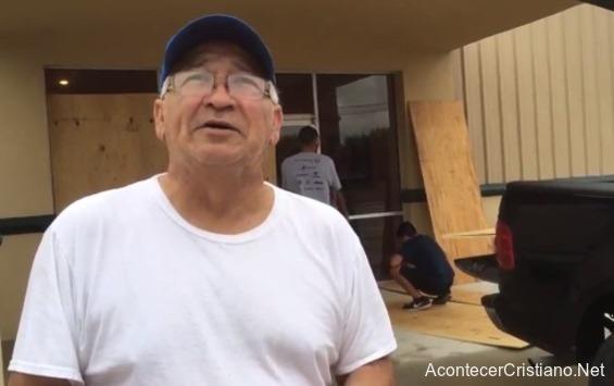Iglesia permanece intacta tras el paso del huracán Harvey