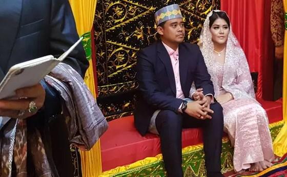 Pesta Adat Manalpokkon Kahiyang-Bobby Dilaksanakan Semalam Suntuk