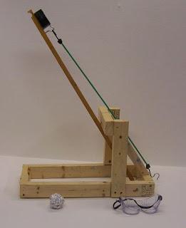 Cómo hacer una catapulta casera de madera DIY