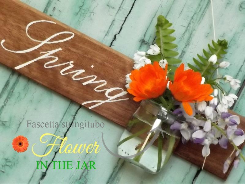 """Insegna in legno con scritta """"Hello Spring"""" e vasetto per fiori di Ma Petite Maison"""