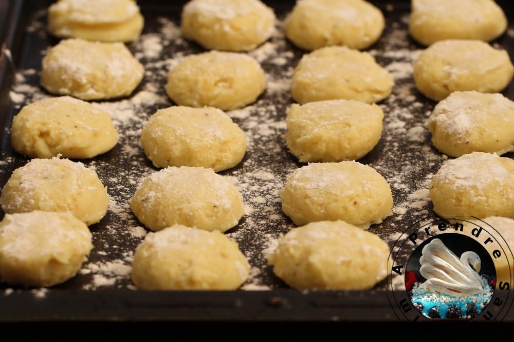 Palets de pommes de terre aux haricots à la tomate