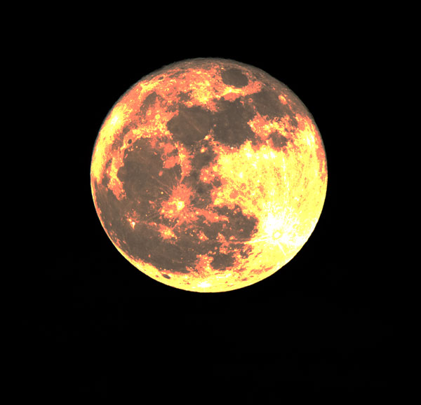 Super Moon, 600mm, 1/1000 second (Source: Palmia Observatory)