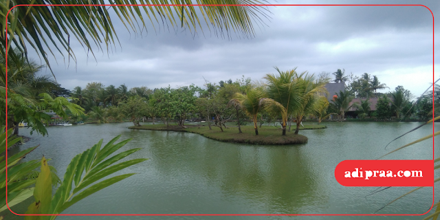 Kolam ikan di Gubug Mang Engking | adipraa.com