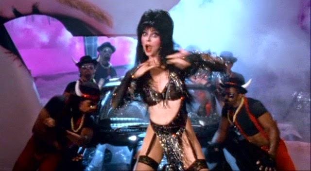 Elvira, reina de las tinieblas, 3