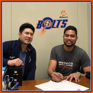 Ranidel de Ocampo Signs a New Contract with Meralco Bolts
