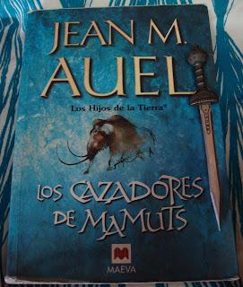 Portada del libro Los cazadores de mamuts, de Jean M. Auel