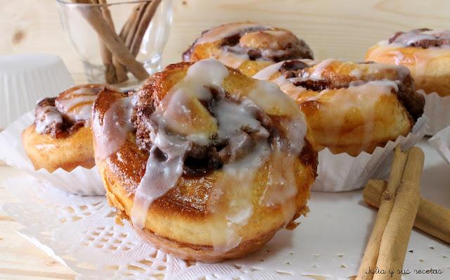 Cinnamon roll con nocilla. Julia y sus recetas