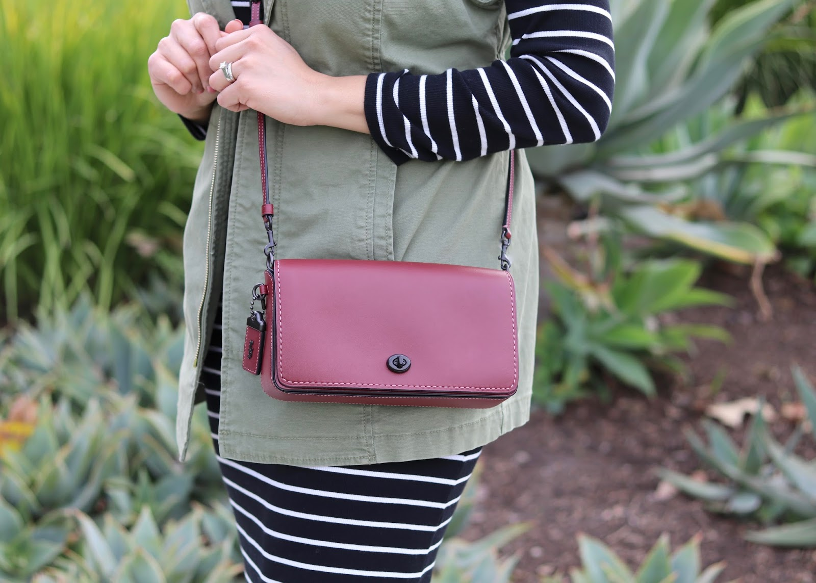 Coach Dinky Crossbody, burgundy purse, coach purse blogger