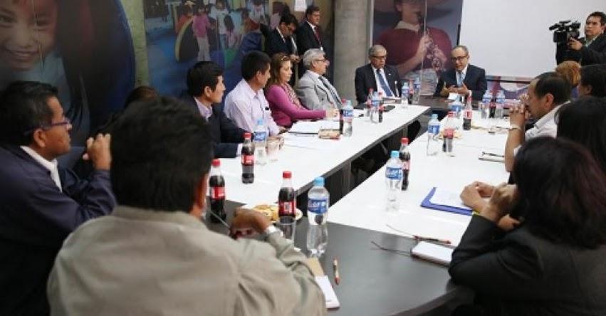 MINEDU: Ministro de Educación Idel Vexler recibió a docentes de los sindicatos regionales - www.minedu.gob.pe
