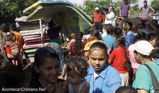 """Personas esperan el """"rapto"""" en Nicaragua"""
