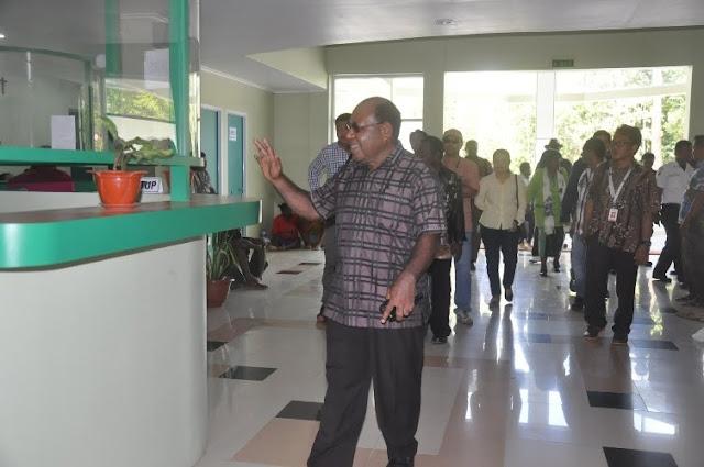 Sekretaris Eksekutif LPMAK Emanuel Kemong