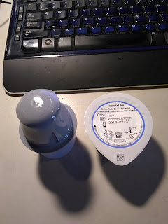 sensor applicator and sensor pack