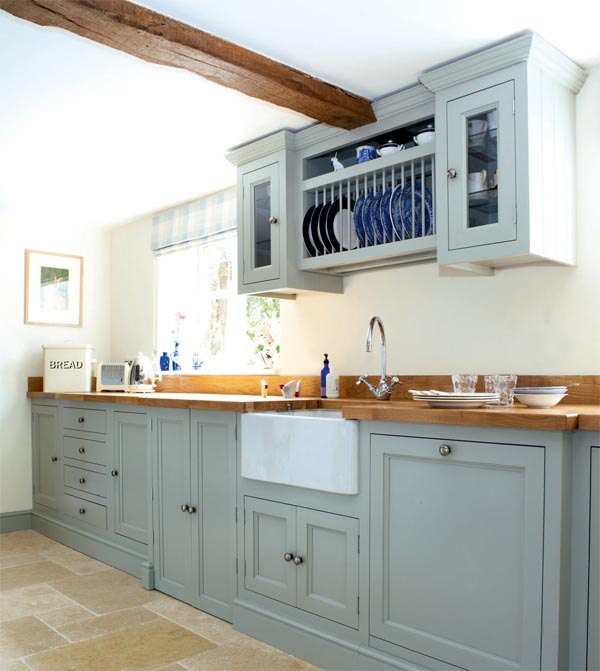 Cottage Kitchen Cabinets: Traditional Cottage Kitchen