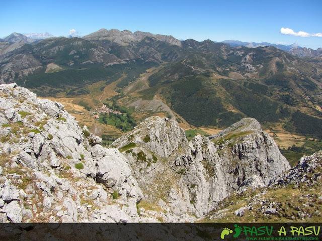 Arista este del Susarón desde las proximidades de la cima