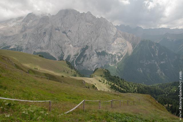 Passo di Pordoi senderismo Dolomitas Italia