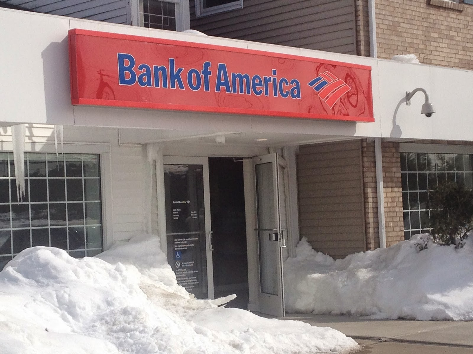 dsm32: STAY AWAY from Bank of America ! ! !