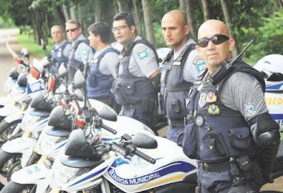 PRF empresta 50 coletes a prova de balas para a Guarda Municipal de Foz do Iguaçu (PR)