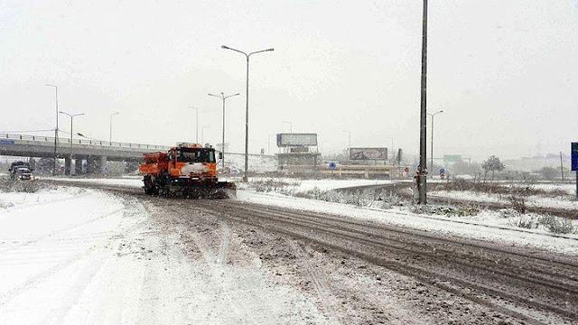 Συνεχίζονται τα προβληματα από τα χιόνια στο οδικό δίκτυο της Πελοποννήσου