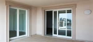 contoh model jendela rumah minimalis Geser
