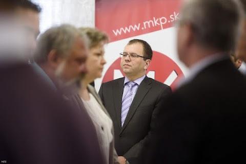 Kudarc: lemondott az MKP teljes elnöksége