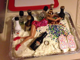 Fotos de humor - torta de barbie peda