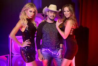 Leandro Casanova com Mayara Mafra e Luana Rangel