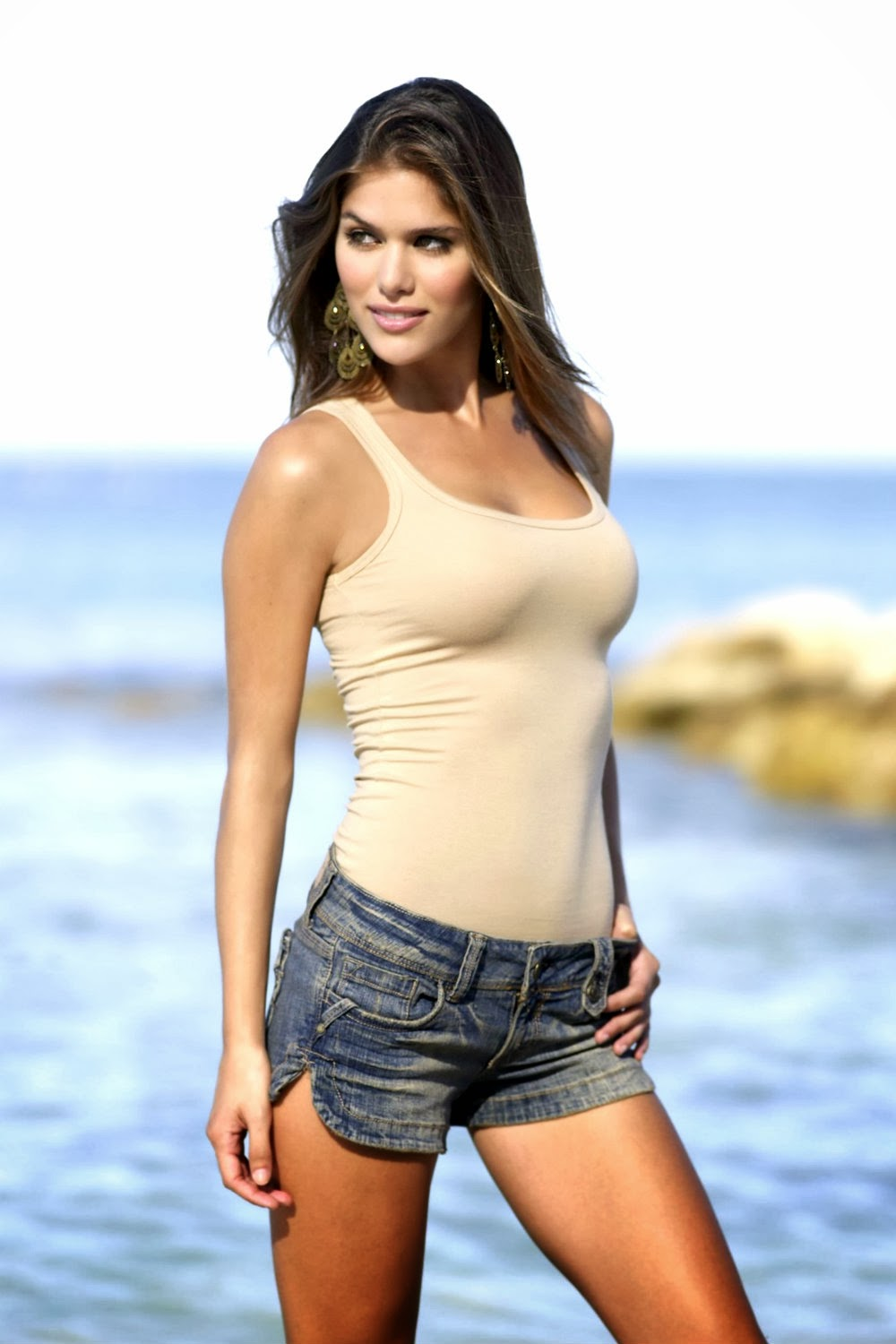 Crush Of The Day..!: Anahi Gonzales Hot  |Anahi Gonzales 2013