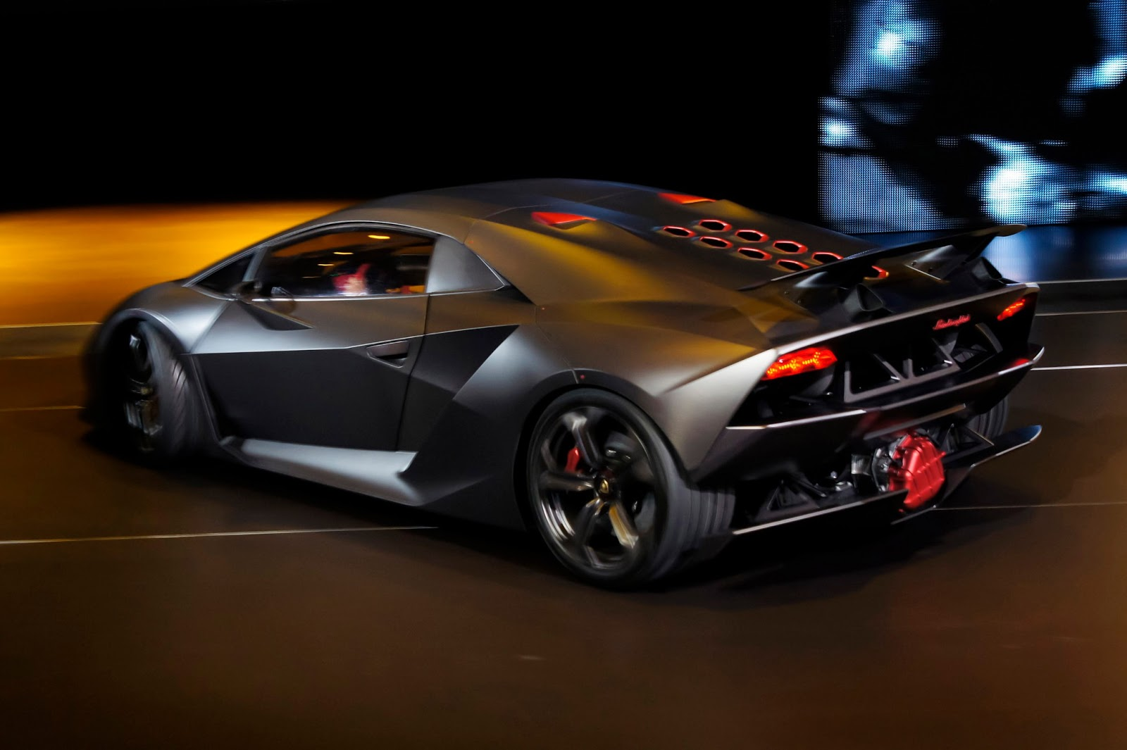Luxury Lamborghini Cars: Lamborghini Sesto Elemento Spyder