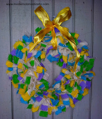 http://modernonmonticello.com/2015/04/09/decorative-painted-burlap-wreath/