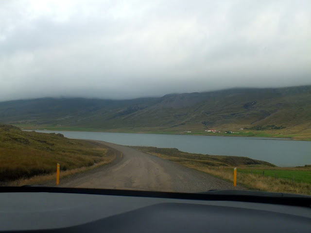 carretera de tierra en Islandia, ring road