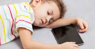 Bahaya Tidur Dekat Dengan Handphone