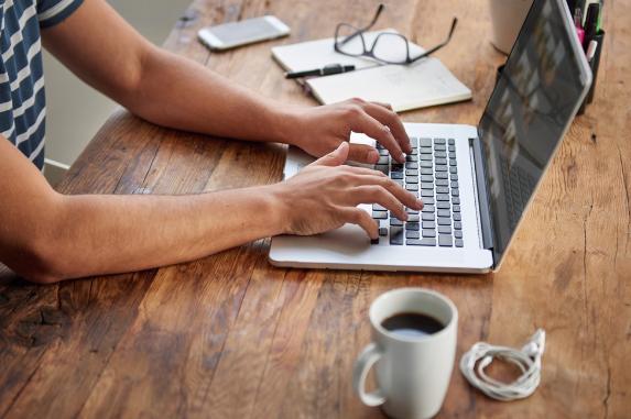 Cara Menulis Artikel yang Berkualitas dan Profesional