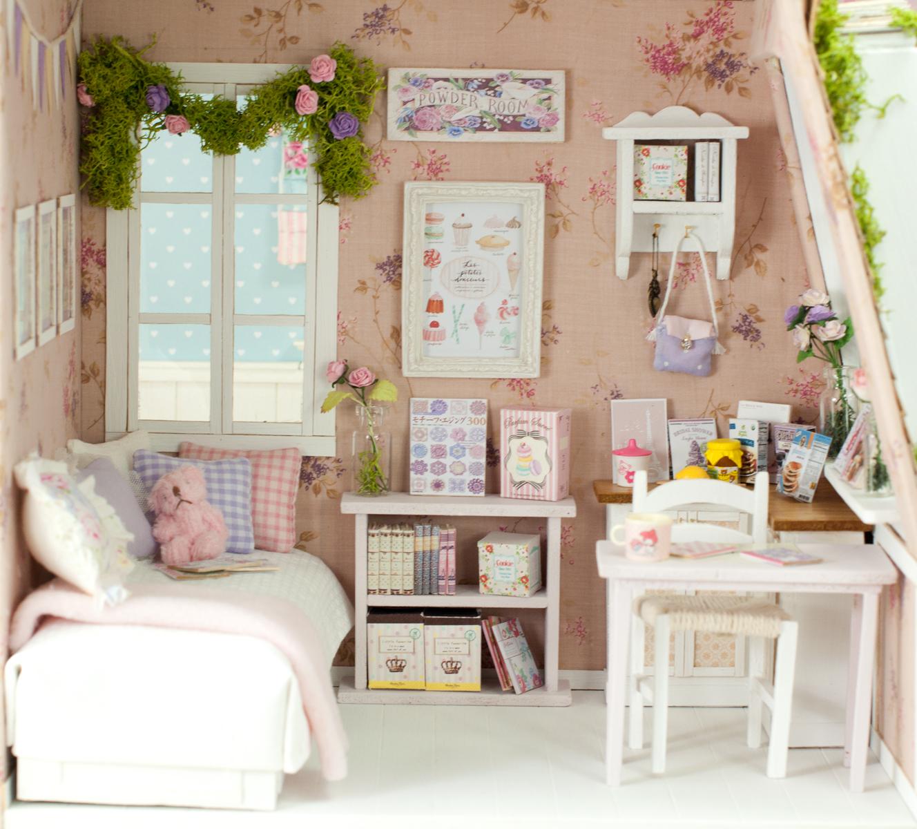fleurdelys miniatures et dollhouses my purple bungalow. Black Bedroom Furniture Sets. Home Design Ideas