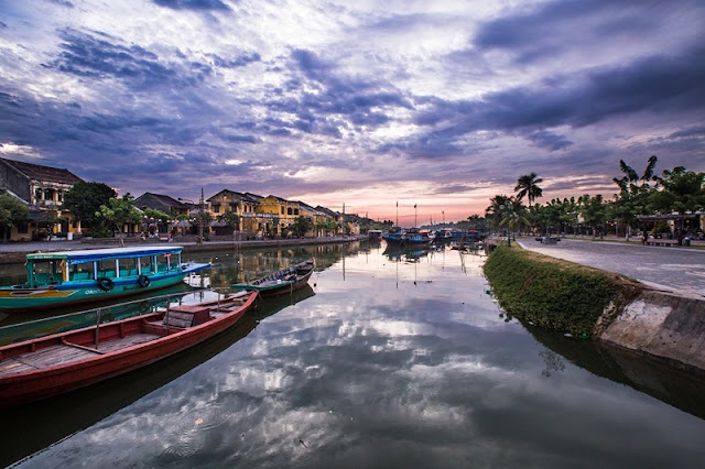 Photographs of Hoi An by photographer Réhahn in top Travel Magazine in UK 14