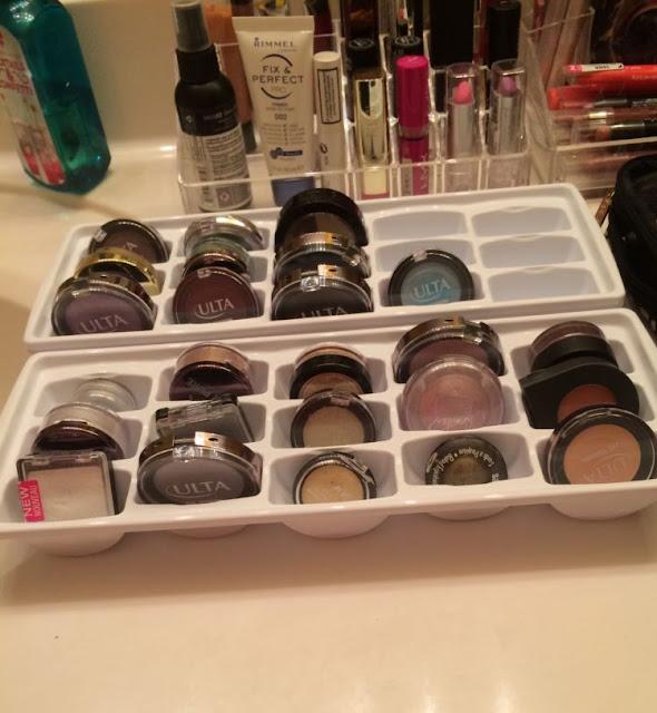 8 Inspirasi Rak Make-Up Mnimalis Ini Bisa kamu Coba Untuk kamarmu yang Sempit dan Berantakan